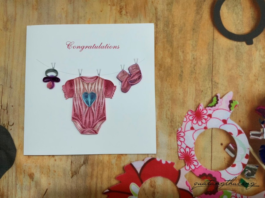 Thiệp quilling vuông - Baby Clothes